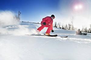 Картинки Зима Лыжный спорт Мужчины Снегу спортивные