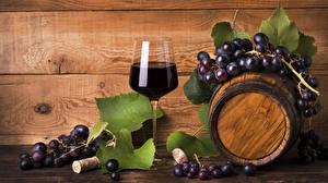 Фото Бочка Вино Виноград Доски Бокалы Пища