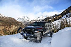 Фото Jeep Внедорожник Черный Снегу 2018-19 Wrangler Unlimited Rubicon машина