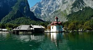 Картинки Озеро Дома Церковь Горы Германия Бавария Koenigssee, Berchtesgaden
