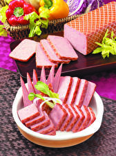 Фотографии Мясные продукты Колбаса Нарезанные продукты