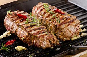 Фото Мясные продукты Приправы Двое Продукты питания