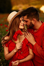 Фотография Мужчины Любовь Маки Любовники Двое Шляпа Руки Шатенка Девушки