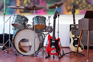 Фотография Музыкальные инструменты Гитары