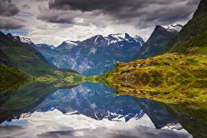 Фотографии Норвегия Лофотенские острова Гора Заливы Мох Природа
