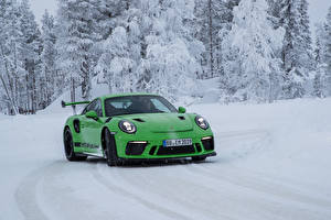 Картинка Порше Зеленый Снег 2018-19 911 GT3 RS Worldwide Авто