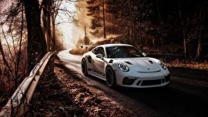 Фотографии Porsche Белый 911 GT3 RS 2019 Автомобили