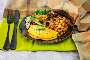 Картинка Картофель Овощи Ножик Тарелке Завтрак Яичницы Вилка столовая Еда