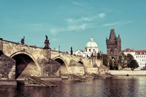 Обои Прага Чехия Мосты Река Карлов мост Vltava river Города