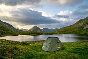 Обои Шотландия Горы Озеро Палатка Траве Природа