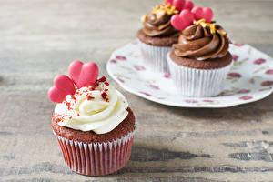 Фото День всех влюблённых Сладости Пирожное Капкейк кекс Доски Сердечко