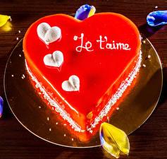 Картинка День всех влюблённых Сладкая еда Торты Тарелка Серце