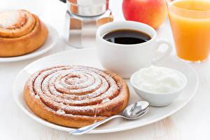 Картинки Кофе Выпечка Сахарная пудра Чашка Ложка Еда