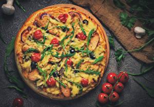 Фото Быстрое питание Пицца Томаты Грибы