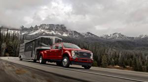 Обои для рабочего стола Ford Красные Пикап кузов Едущий 2020 F-450 Super Duty Limited Crew Cab Автомобили