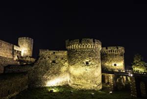 Фотографии Крепость Белград Сербия Ночью Уличные фонари Города