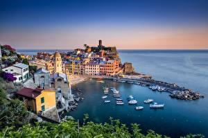 Обои Дома Лигурия Чинкве-Терре парк Италия Море Города картинки
