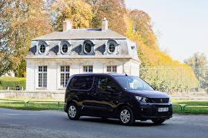Фотографии Peugeot Фиолетовый Металлик 2018-19 Partner Worldwide машина