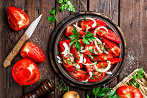 Фотографии Салаты Томаты Овощи Доски Соль Пища