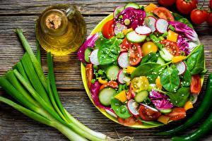 Фото Салаты Овощи Доски Бутылка Пища