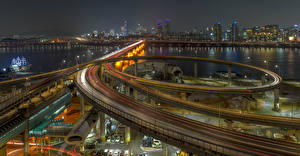 Картинка Южная Корея Здания Река Мост Дороги Ночью Seoul город