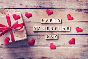 Картинка День святого Валентина Подарки Сердечко Доски Английский