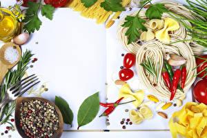Картинка Овощи Помидоры Острый перец чили Чеснок Специи Макароны Еда