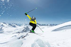 Обои Зима Лыжный спорт Снег В прыжке