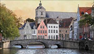Обои Бельгия Дома Мосты Водный канал Langerei canals Bruges Города картинки