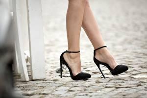 Обои Крупным планом Ноги Туфли Черный Девушки