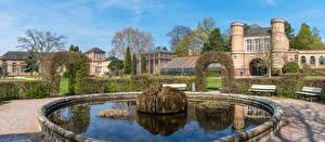 Фотографии Германия Парки Фонтаны Здания Дворец Кустов Скамейка Botanischer Garten Karlsruhe Природа Города