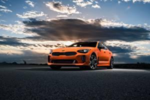 Обои KIA Оранжевый GTS Stinger 2020 Автомобили картинки