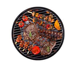 Фото Мясные продукты Шашлык Помидоры Белый фон Пища