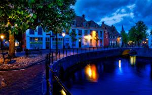 Картинка Нидерланды Здания Водный канал Забор Ночь Уличные фонари Amersfoort canals Города