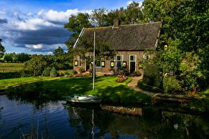 Фотографии Нидерланды Здания Лодки Utrecht Города