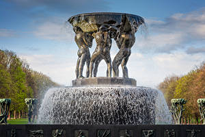 Обои Норвегия Фонтаны Скульптуры Осло Брызги Fountain in The Vigeland Park Oslo Города