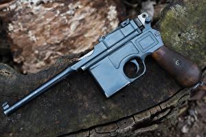 Фотография Пистолеты Крупным планом 1918 Mauser C96 Автомобили