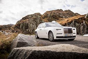 Картинка Роллс ройс Белая 2017 Phantom Worldwide Автомобили