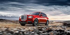 Фотографии Rolls-Royce Красные Металлик 2018 Cullinan Worldwide авто