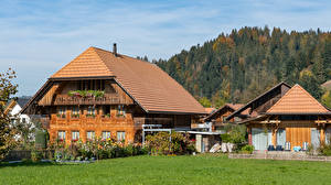 Картинка Швейцария Здания Трава Забора Emmental Города