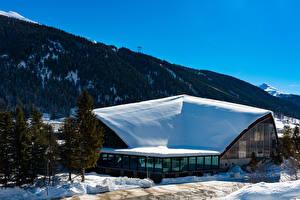 Картинка Швейцария Зимние Здания Гора Снега Davos Города