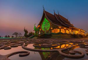 Картинка Таиланд Храмы Вечер Скульптуры Ratchathani Province Города