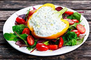Фотография Овощи Перец Помидоры Доски Тарелка Еда