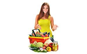 Фотография Овощи Корзины Шатенка Белом фоне Девушки Еда