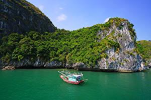 Картинка Вьетнам Корабль Катера Заливы Скала Lan Ha Bay Природа