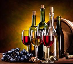Картинки Вино Виноград Бутылка Бокалы Продукты питания