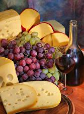 Фотографии Вино Виноград Сыры Бутылка Бокалы Продукты питания