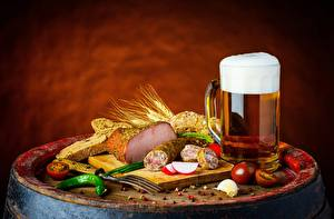 Фотография Пиво Колбаса Ветчина Кружки Еда