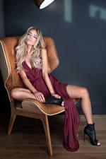 Обои Блондинка Сидящие Платье Кресло девушка