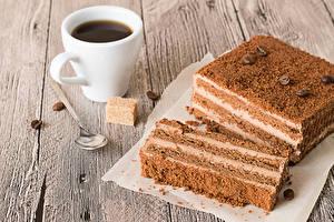 Картинка Торты Кофе Доски Часть Чашка Зерна Сахара Ложка Еда